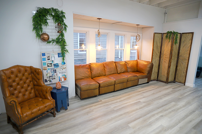 IMG_0595_couch-area